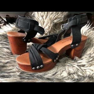 Lucky Brand chunky sandals